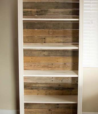Pallet Backed Bookshelf