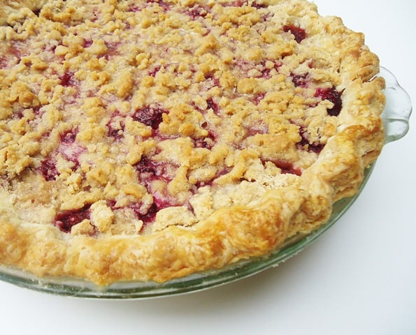 Raspberry Crumb Pie from Gingerbread Bagels