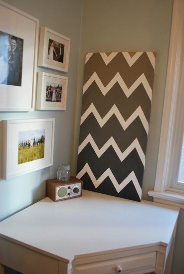 chevron canvas pic 7 20 DIY Canvas Art Tutorials