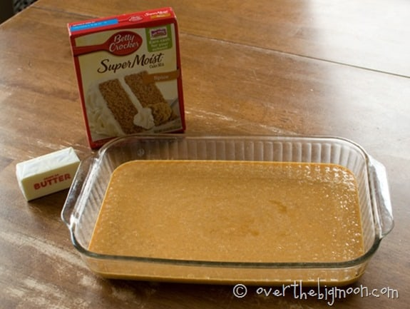 Gooey Pumpkin Cake - this is an AMAZING Fall Recipe and a must try! From www.overthebigmoon.com!