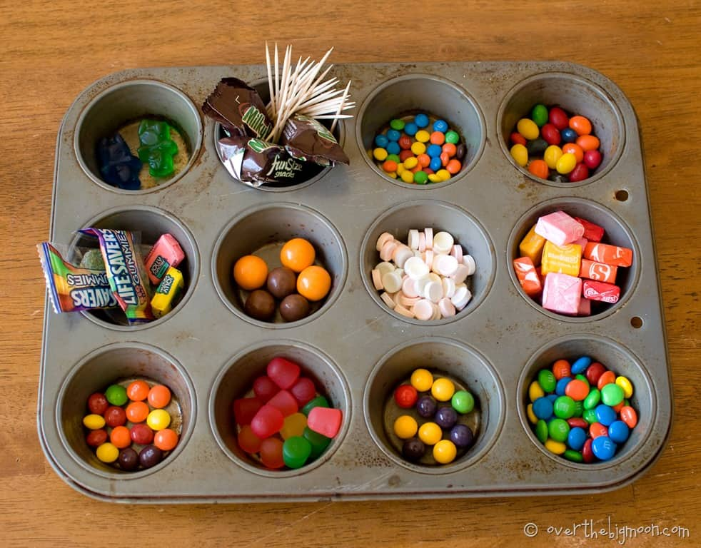 gingerbread house candy decorations ideas
