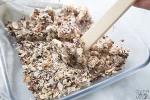 How to Make Easy Toffee from overthebigmoon.com!