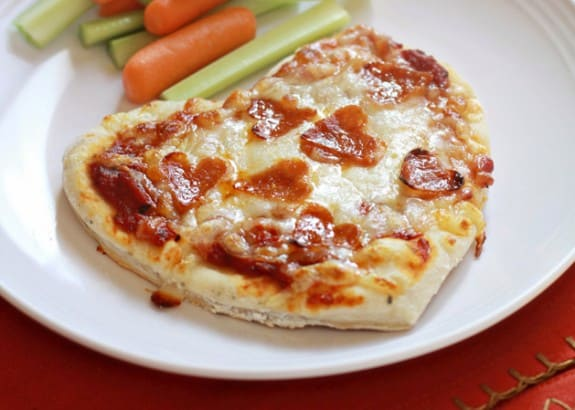 kidskitchen-heartpepperonipizza-main-2