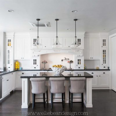 10 Tips for the Perfect White Kitchen - such a great detailed article! overthebigmoon.com