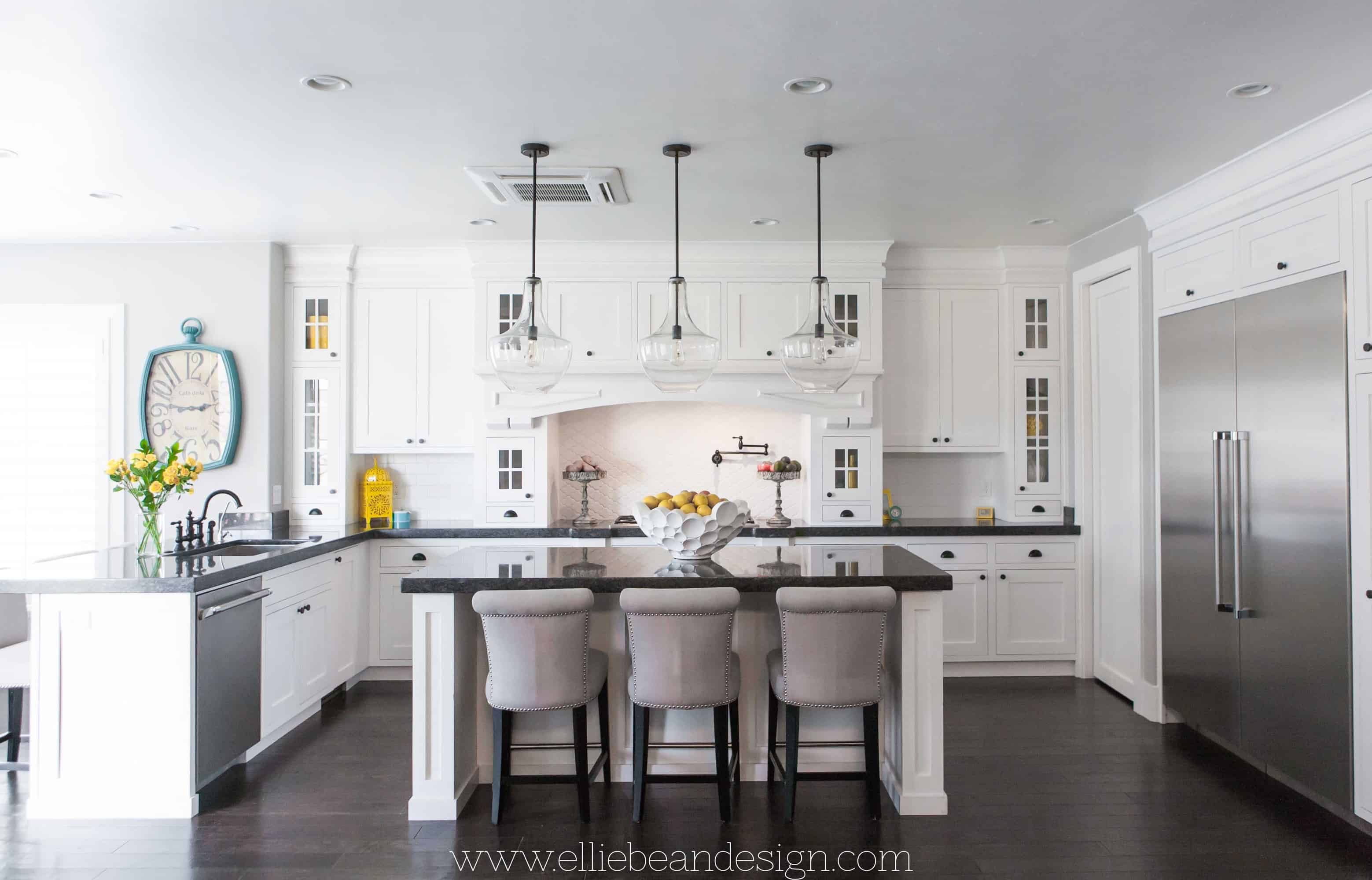 10 rules to create the perfect white kitchen over the for Kitchen designs big