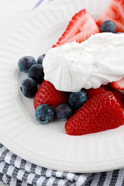 healthy-coconut-whipped-cream