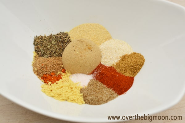 11 spices Under $5 Friend Gift: Chicken Spice Rub + Blog Hop