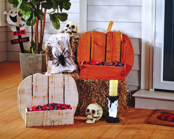 Fun Fall Pumpkin Serving Tray from www.overthebigmoon.com!!