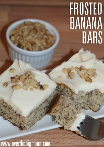 Banana Bars with Cream Cheese Frosting - such a yummy dessert that the whole family will love! From www.overthebigmoon.com!
