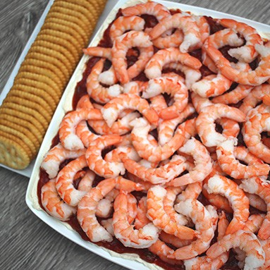 Easy Shrimp Dip Appetizer that EVERYONE will love! This is so easy and only takes 5 ingredients and 10 minutes to throw together! From www.overthebigmoon.com!