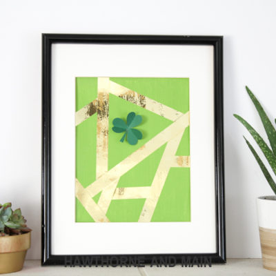 This DIY Modern St. Patrick's Day Wall Art is so cute, plus easy and affordable!