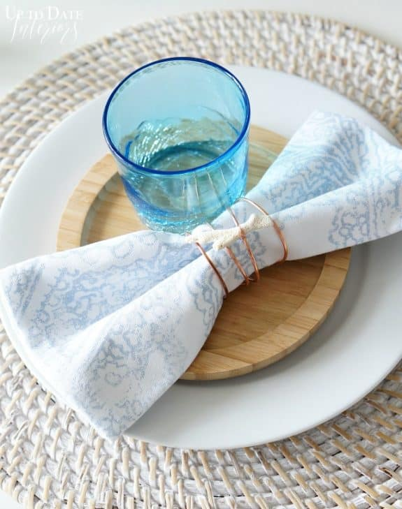 http://overthebigmoon.com/wp-content/uploads/2016/06/DIY-napkin-rings-beach-e1465779719868.jpg