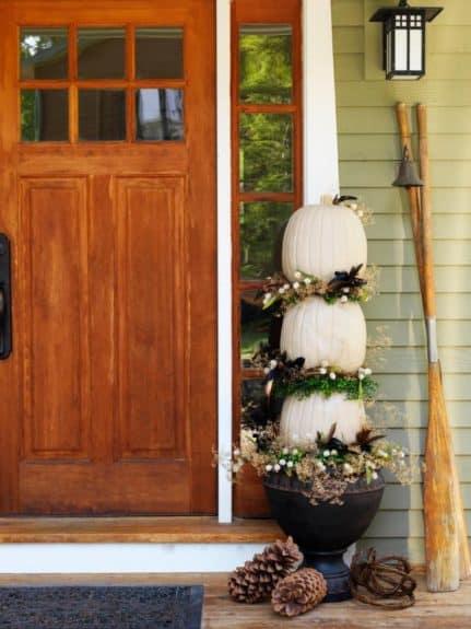 CI-Susan-Teare_Outdoor-Pumpkin-Topiary_s3x4.jpg.rend.hgtvcom.616.822