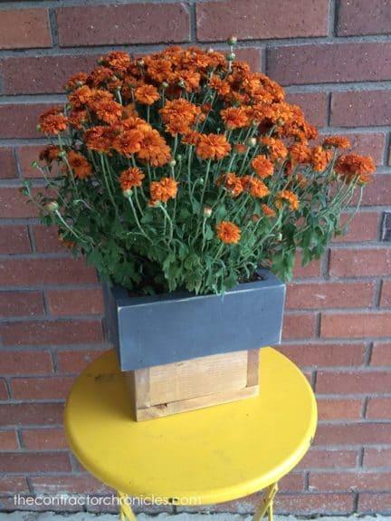 Rustic-Wooden-Fall-Flower-Pots-20-copy_thumb