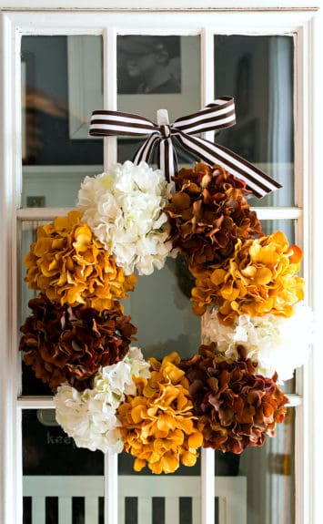 http://overthebigmoon.com/wp-content/uploads/2016/08/hydrangea-wreath-for-fall-3-of-12-355x575.jpg