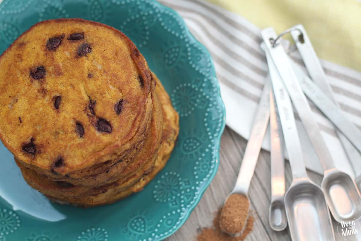 Pumpkin Chocolate Chip Pancakes - perfect for the Fall season! From www.overthebigmoon.com!