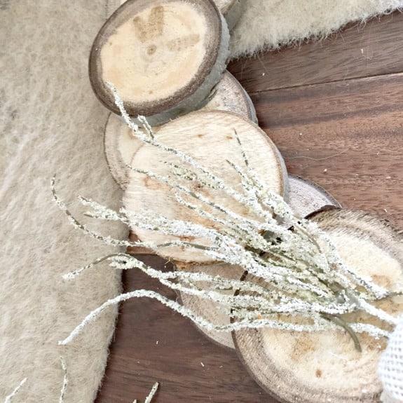 diy-wood-slice-fall-wreath