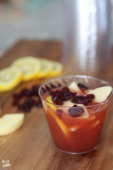 This Cranberry Apple Punch is perfect for all your upcoming Holidays or even just for a family dinner! Recipe at www.overthebigmoon.com!