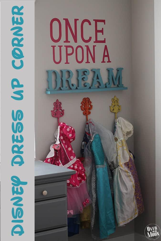disney-dress-up-corner