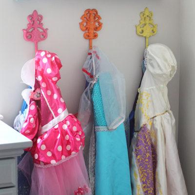 Easy DIY Disney Dress Up Corner from www.overthebigmoon.com!