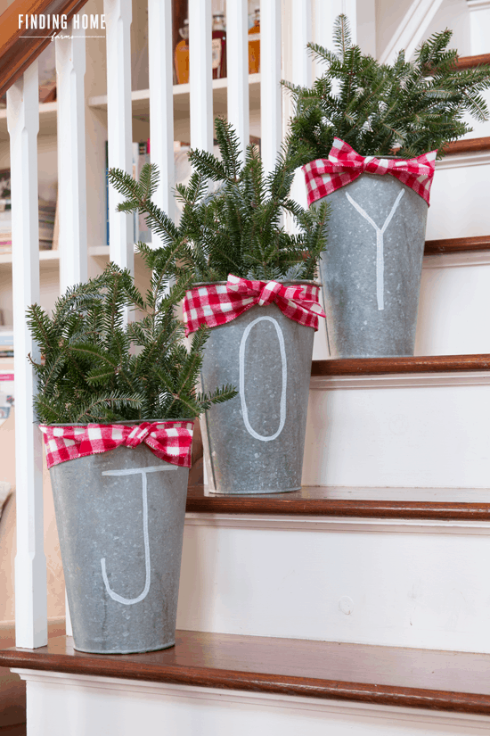 Looking For Some Amaznig Winter Porch Decoration Ideas   Then You Gotta  Check These Out!
