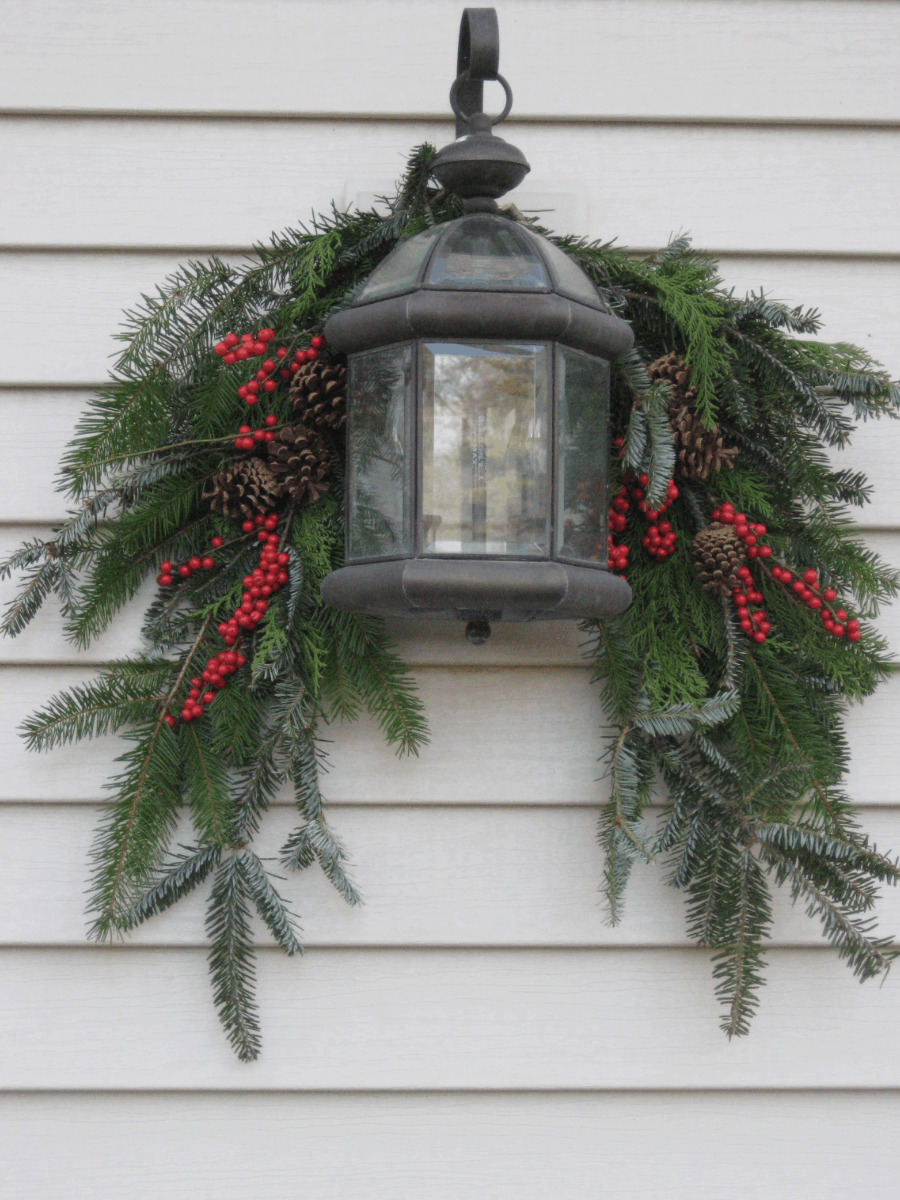 Looking for some amaznig Winter Porch Decoration ideas - then you gotta check these out! You're sure to find an idea that is perfect for your porch! From www.overthebigmoon.com!
