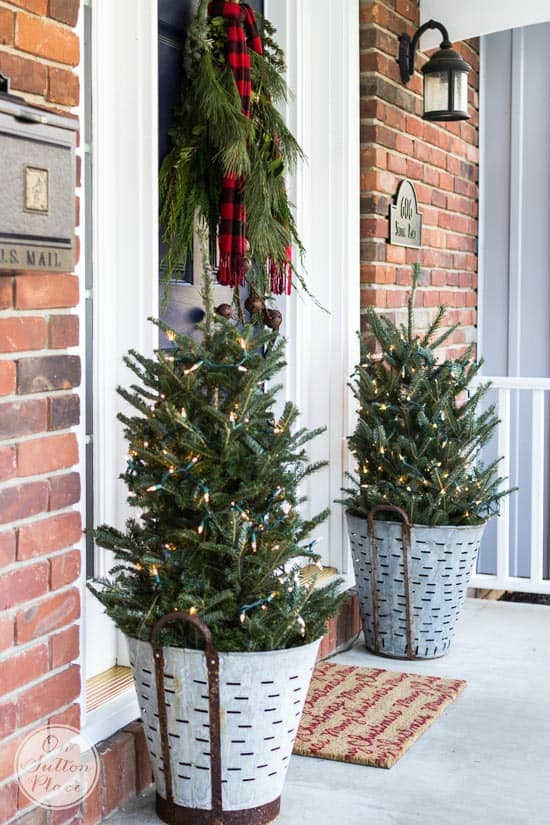 looking for some amaznig winter porch decoration ideas then you gotta check these out