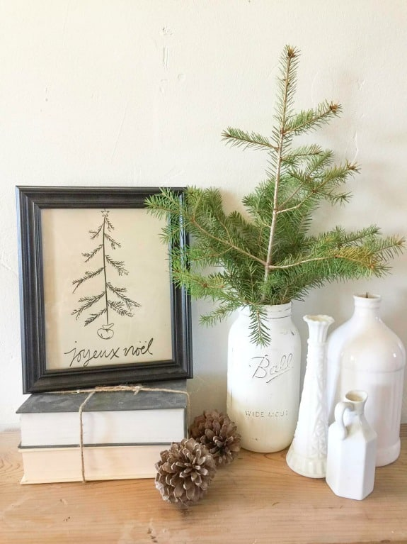 This FREE Joyeux Noel Christmas printable is such a sweet addition to your holiday decor!