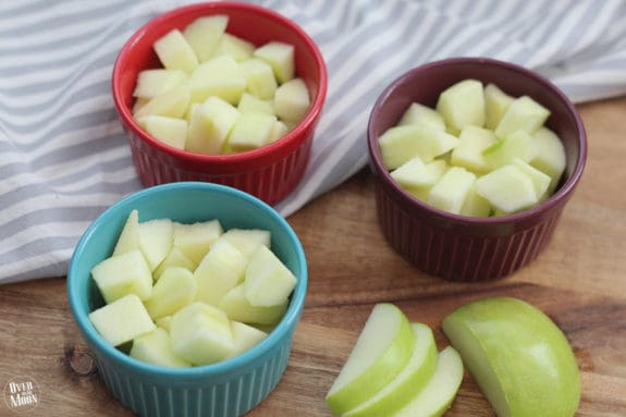 Delicious Apple Crisp - this less guilty version is so simple to throw together! From www.overthebigmoon.com!