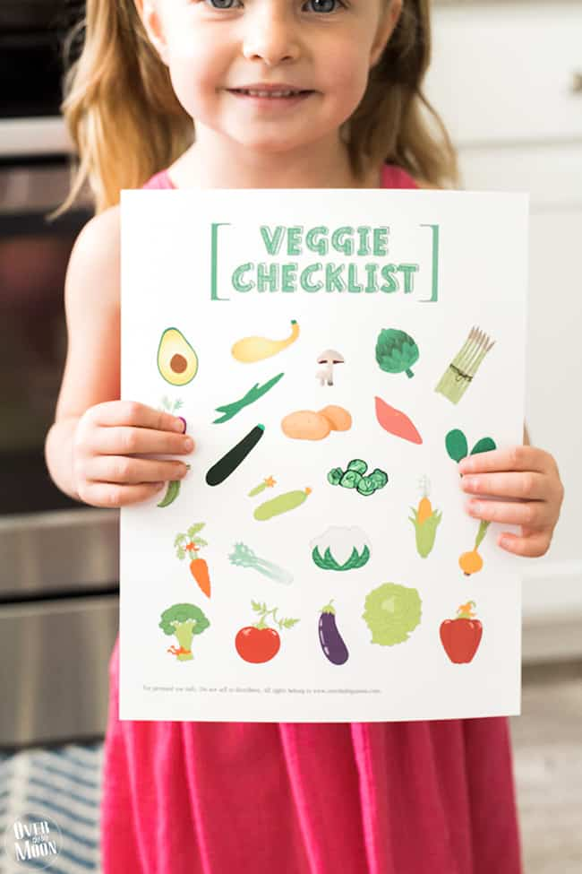 Kids Printable Vegetable Checklist - perfect to help kids get motivated to try new veggies! From www.overthebigmoon.com!