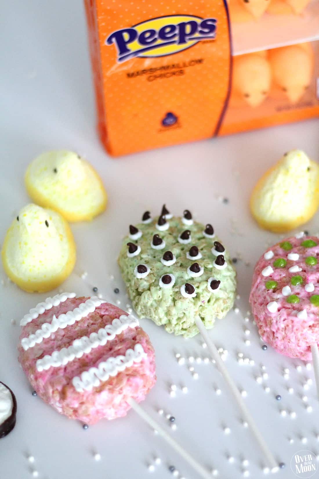 Easter Peeps Rice Crispy Treats | www.overthebigmoon.com