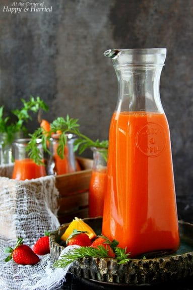 http://overthebigmoon.com/wp-content/uploads/2017/06/CARROT-STRAWBERRY-ORANGE-SMOOTHIE-HAPPYHARRIED-383x575.jpg