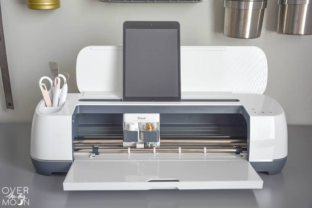A breakdown and review of the Cricut Maker | www.overthebigmoon.com