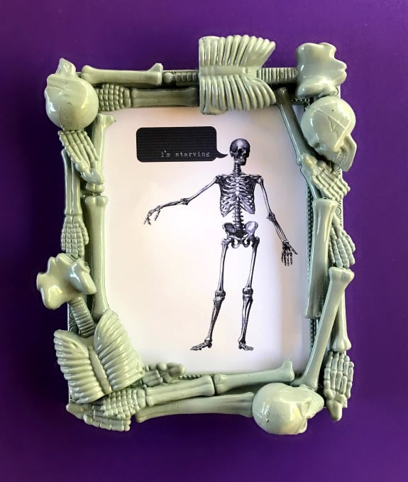 DIY Halloween Skeleton Frame