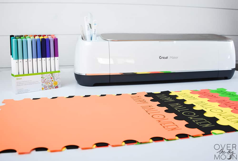 Cut these super easy Halloween Poster Board Placemats with your Cricut Maker - cut file linked! From www.overthebigmoon.com!