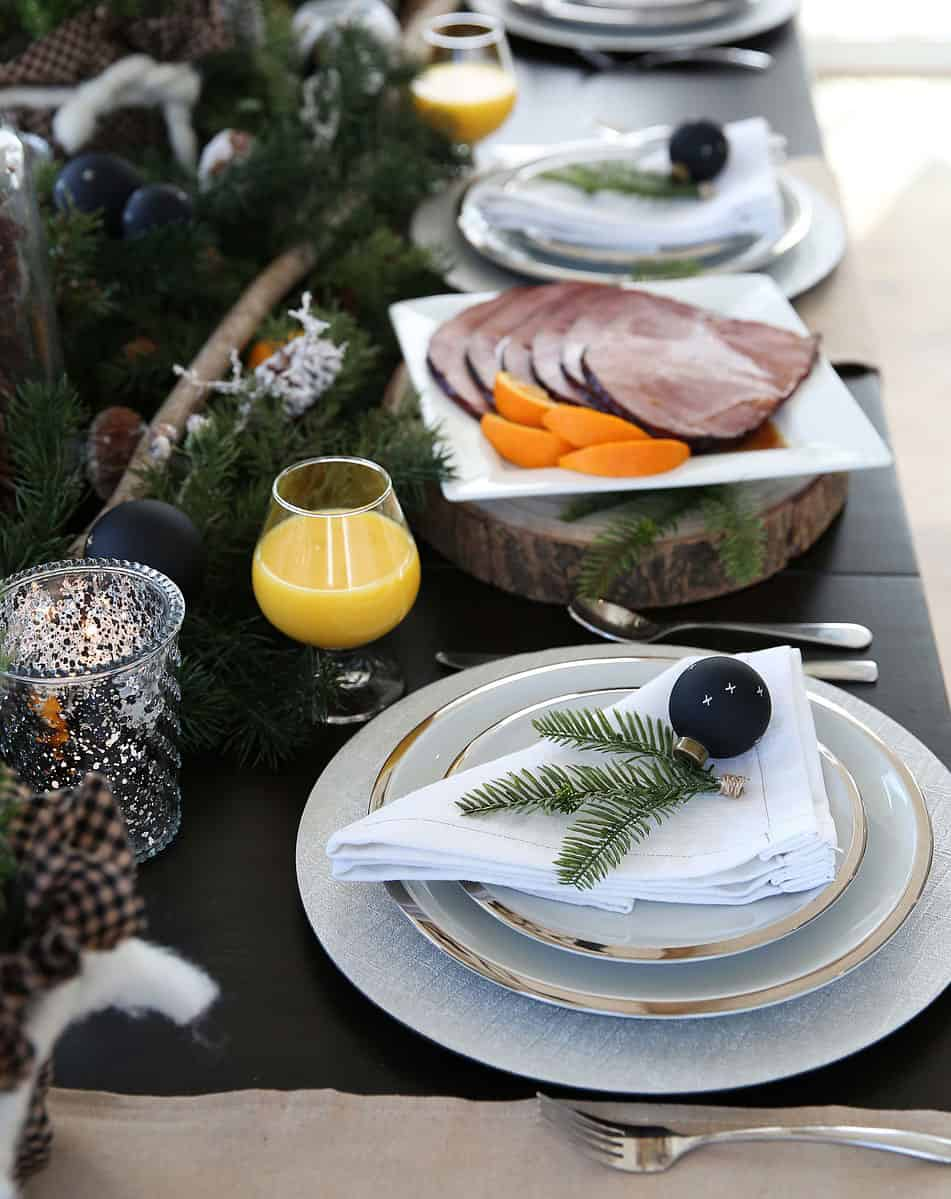 Christmas Breakfast and Brunch Menu Ideas from www.overthebigmoon.com!
