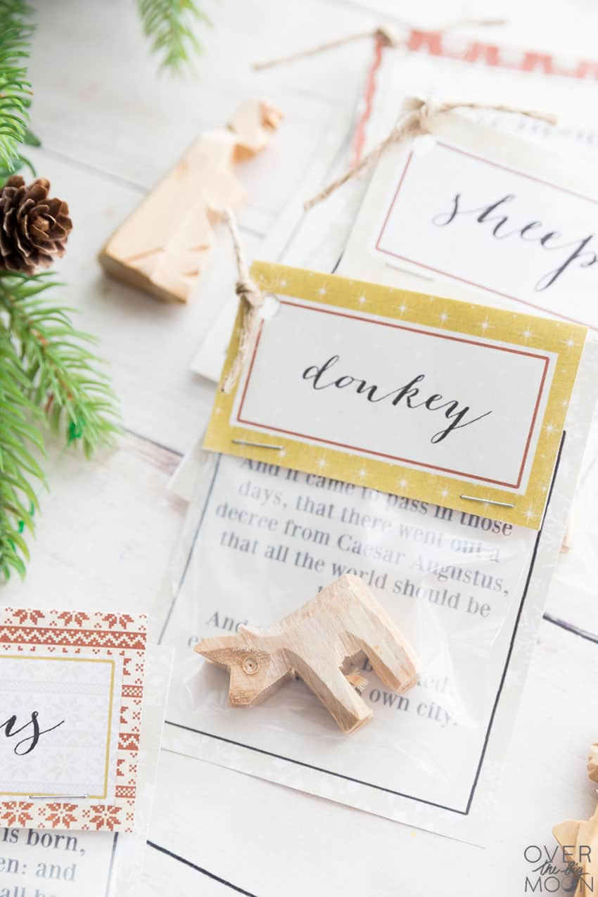 Christmas Countdown with Nativity emphasis - printable bag toppers and scriptures! From overthebigmoon.com!