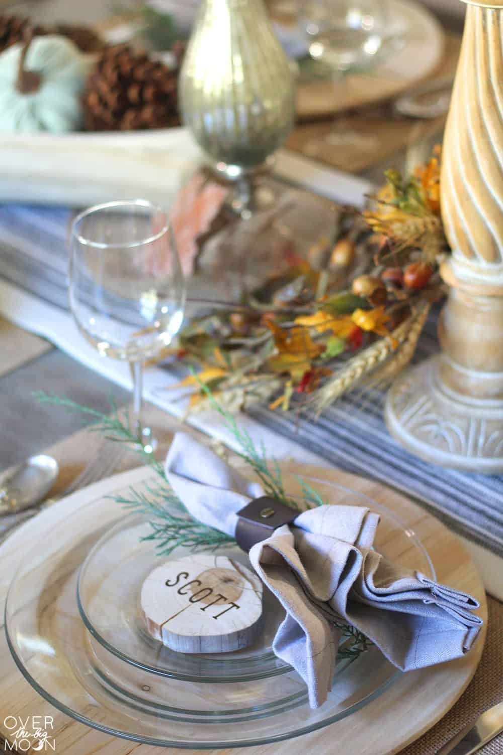 https://overthebigmoon.com/wp-content/uploads/2017/11/diy-thanksgiving-table-setting.jpg