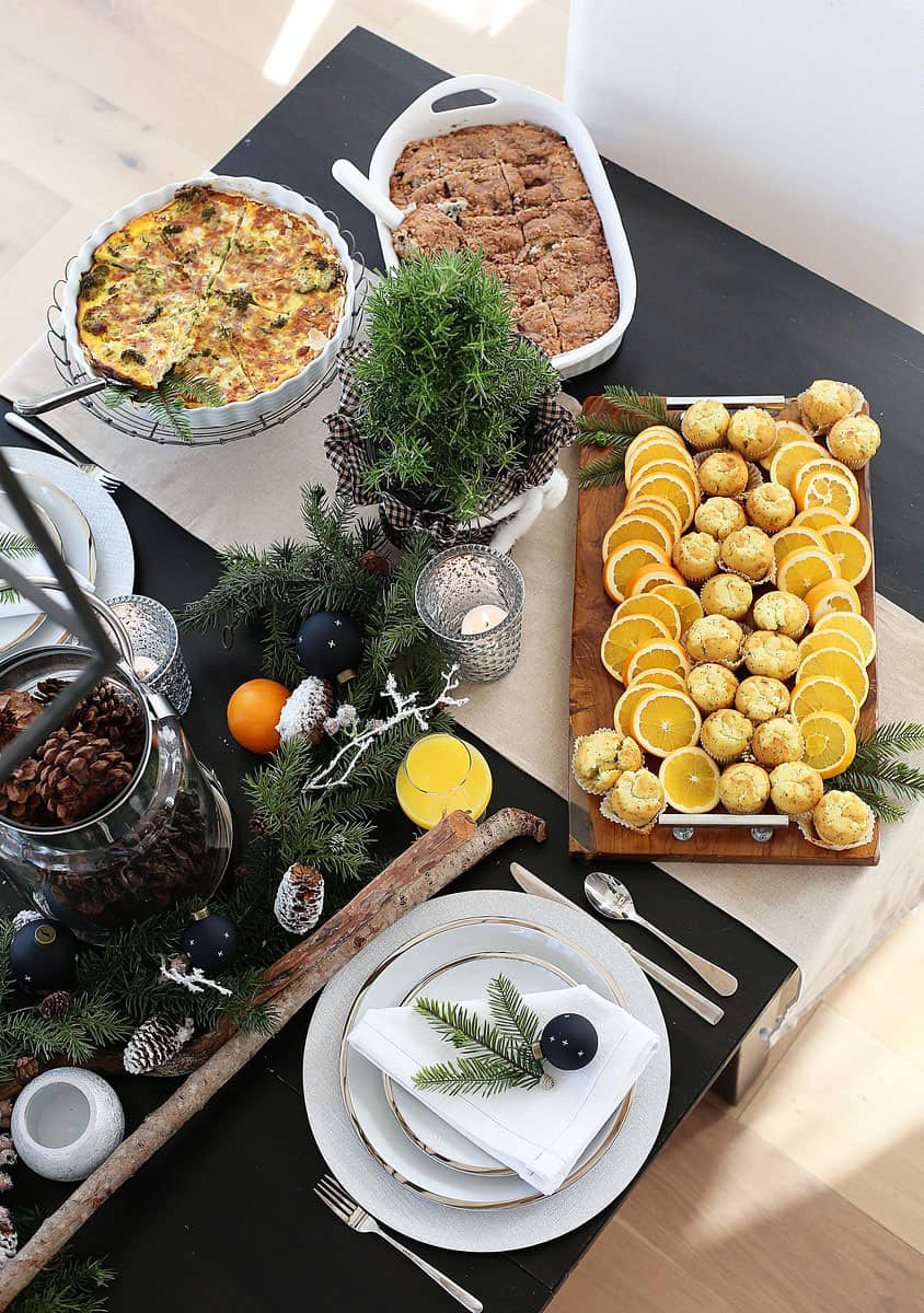 Christmas Breakfast or Bruch Menu Ideas from www.overthebigmoon.com!