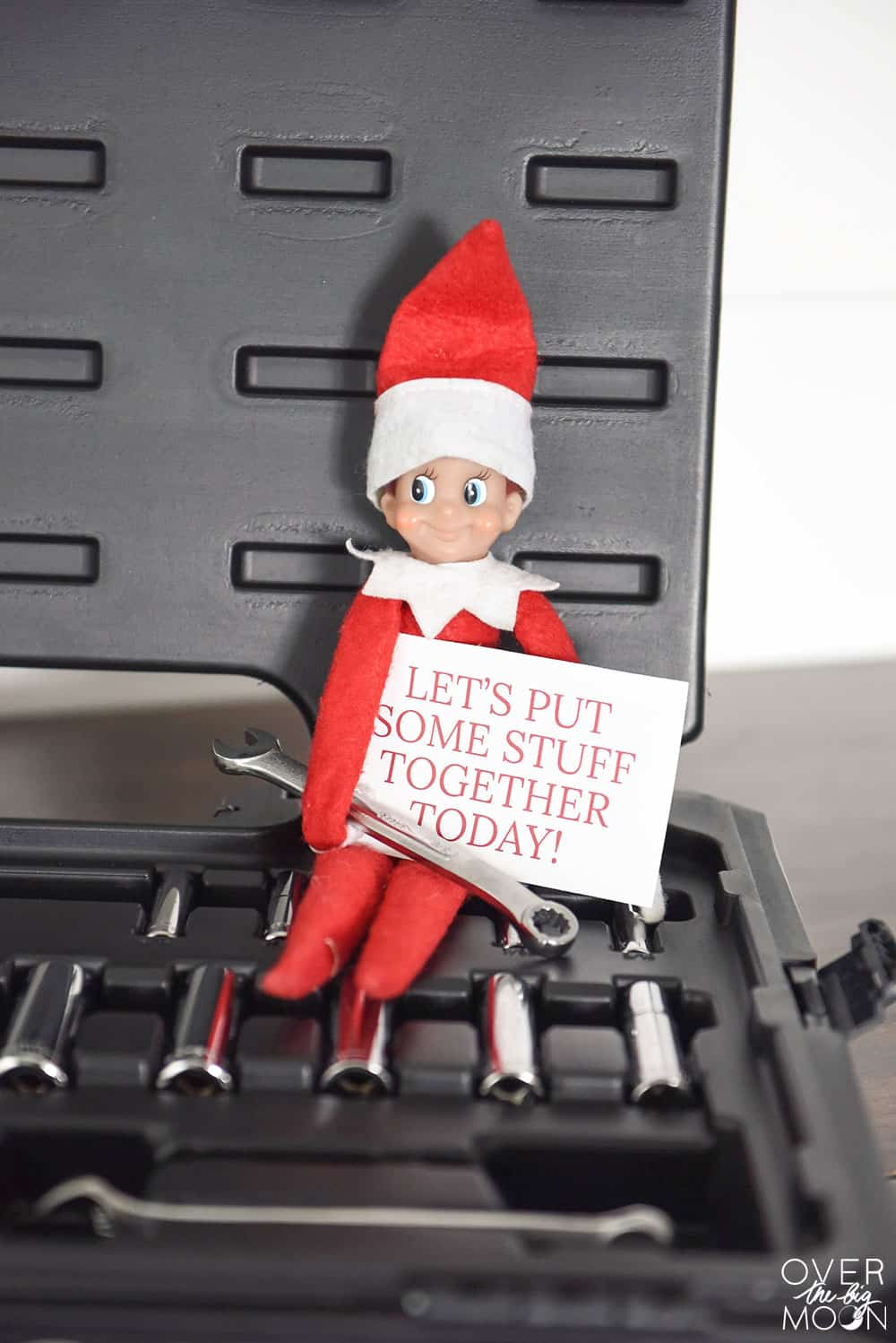 The Helpful Elf is so fun during the holidays! Come get a list of fun helpful ideas! From overthebigmoon.com!