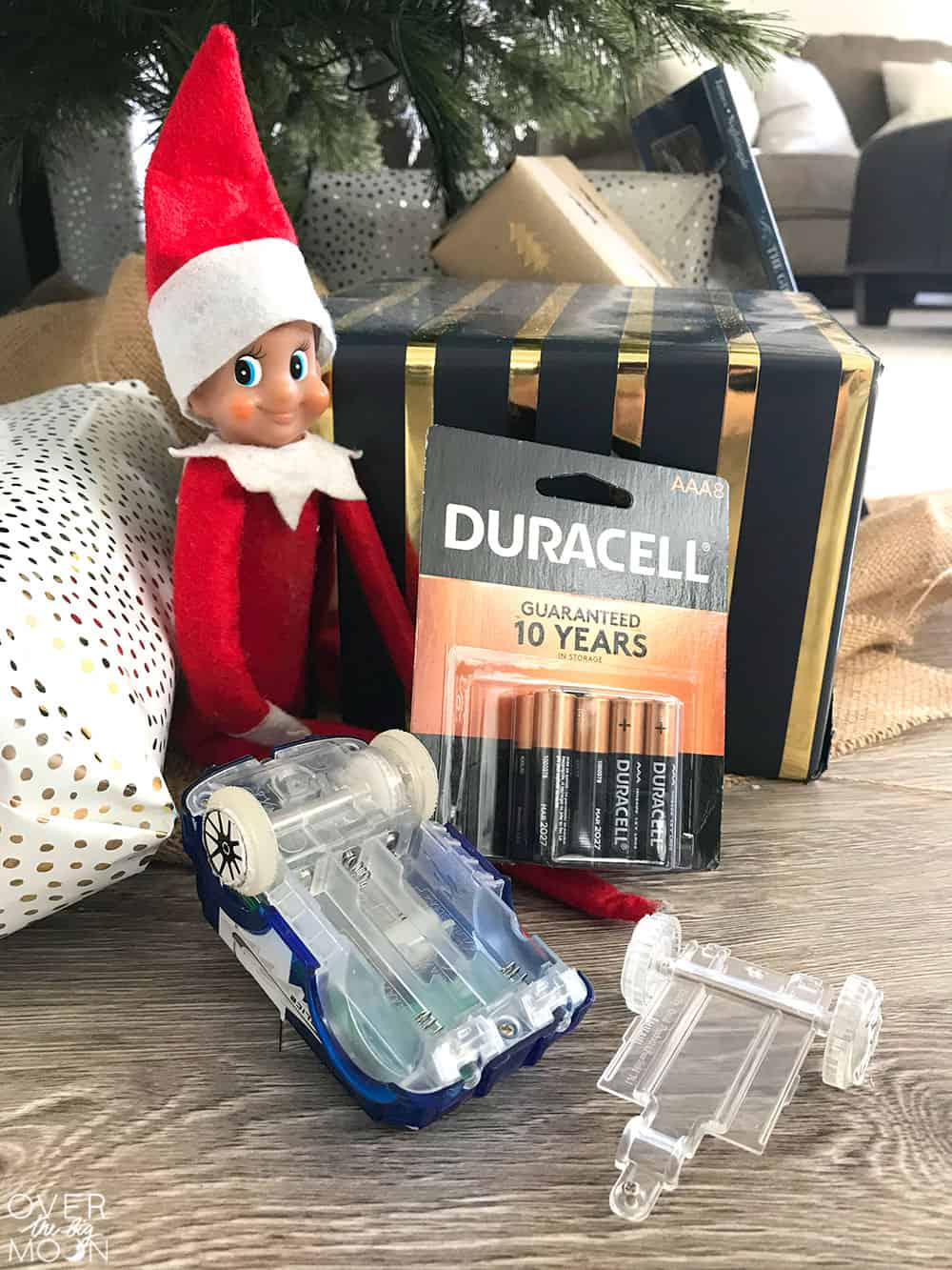 The Helpful Elf is too much fun and helps bring the spirit of service into your home! From overthebigmoon.com!