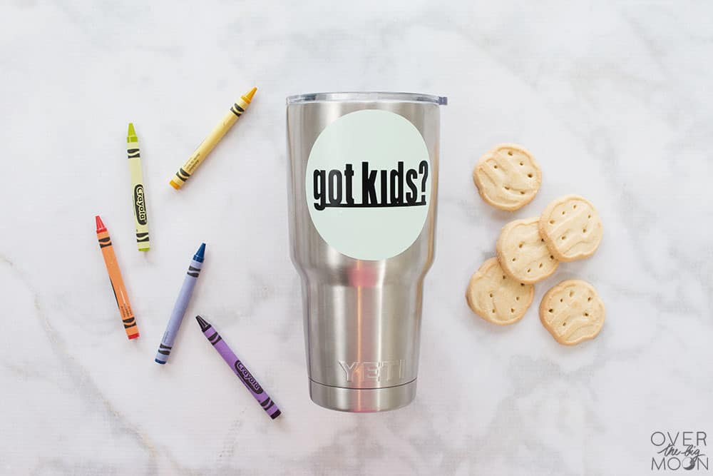 Got Kids? This is a fun vinyl sticker for your tumbler or coffee mug! From overthebigmoon.com! #vinyl #tumbler #cricutmade #cricut