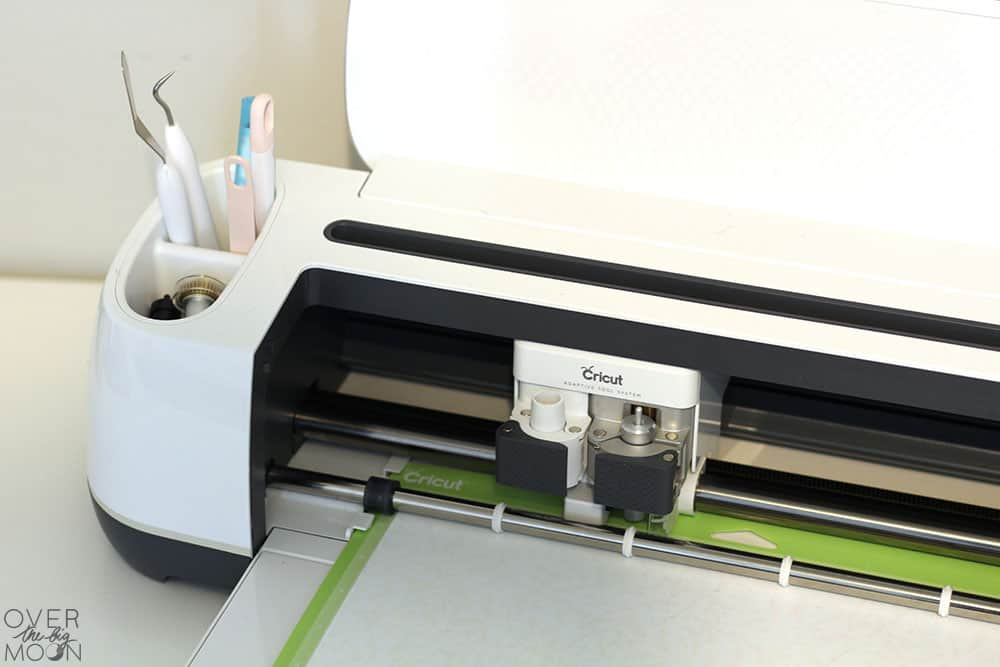 Cricut Maker projects and cutting tips! From overthebigmoon.com!
