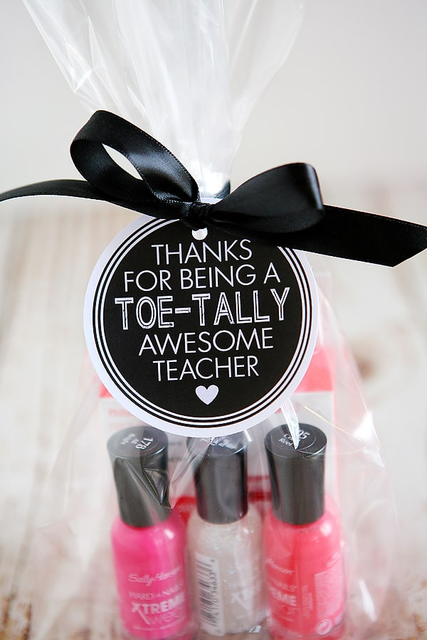 https://overthebigmoon.com/wp-content/uploads/2018/04/toe-tally-awesome-teacher-cu-600-1.jpg