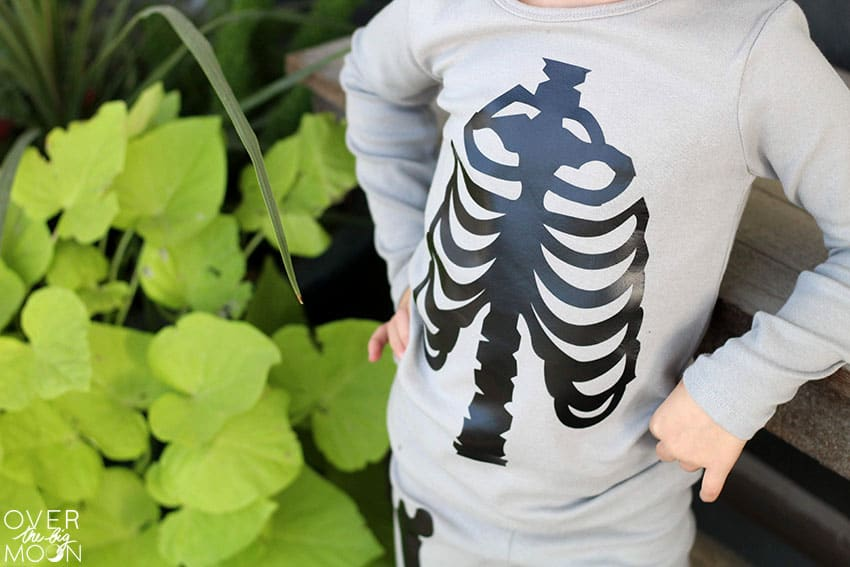 DIY Skeleton Pajamas made using the Cricut cutting machine and EasyPress 2! From overthebigmoon.com!