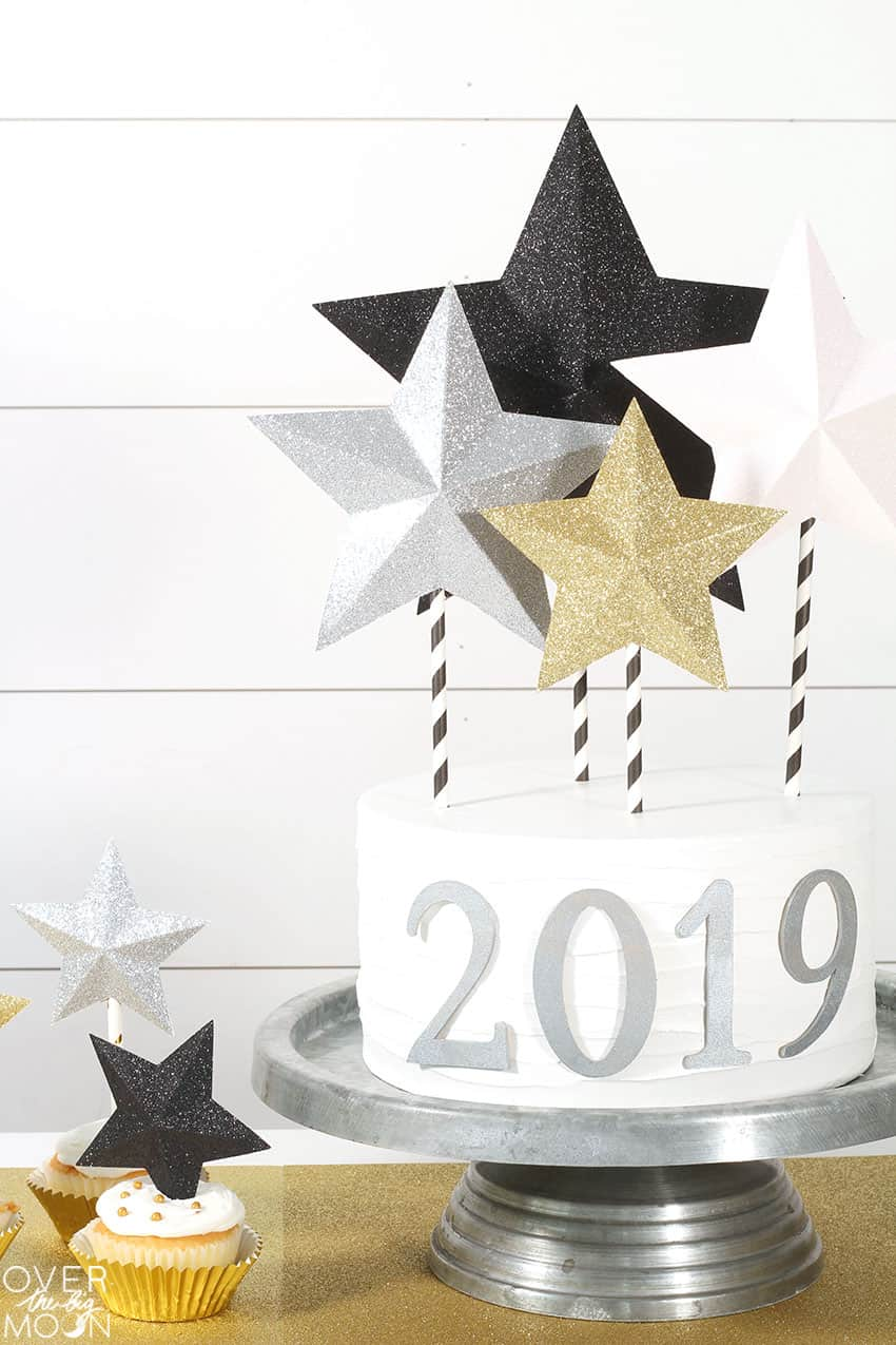 Easy DIY Star Cake Topper! From overthebigmoon.com!