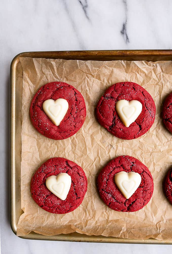 Red Velvet Recipe Ideas that are perfect for Valentine's Day! From overthebigmoon.com!