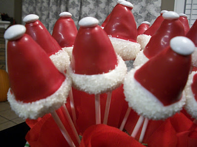 Peppermint Kiss Sugar Cookies and Santa Hat Cake Pops   Guest Post by Kinnas Kreations
